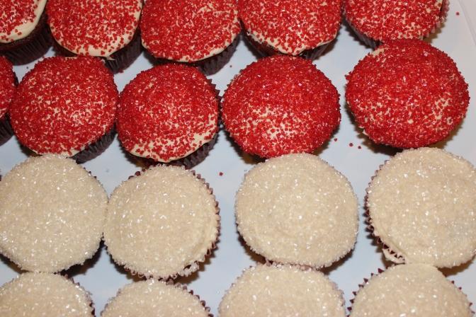 Red Velvet Cupcakes | longdistancebaking.com