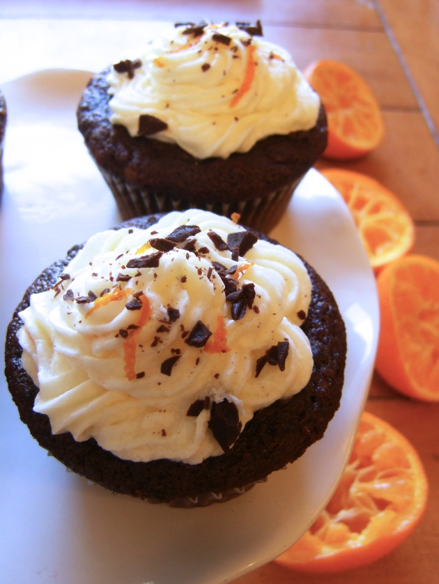 Dark Chocolate Orange Cupcakes | longdistancebaking.com