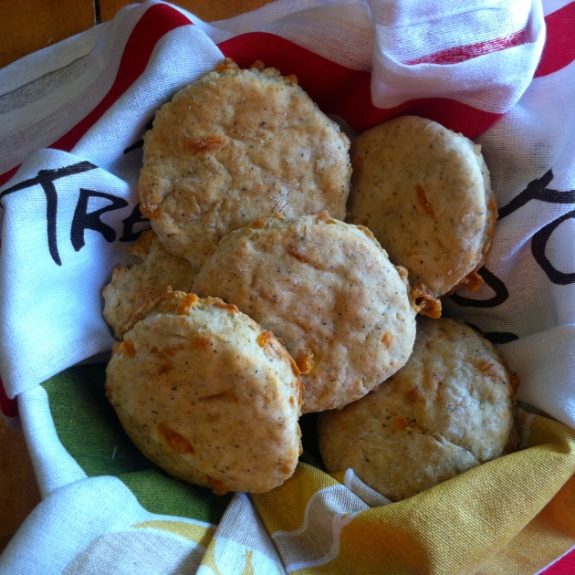 Garlic Cheddar Biscuits | longdistancebaking.com