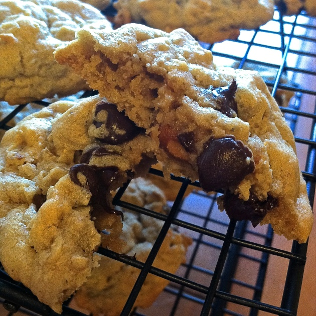 Chocolate Peanut Butter Pretzel Cookies | longdistancebaking.com