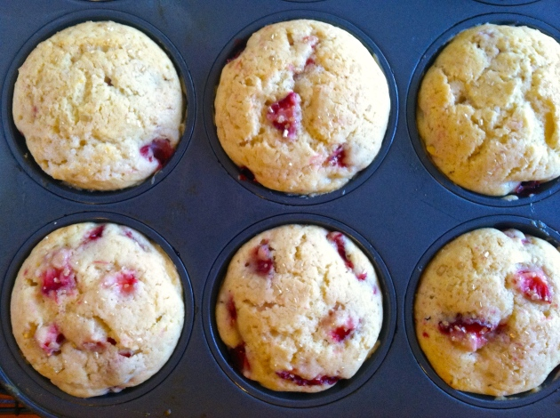 Fresh Lemon Strawberry Muffins | longdistancebaking.com