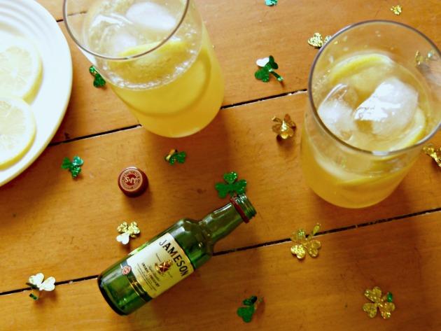 Irish Gold St. Patrick's Day Cocktail | longdistancebaking.com